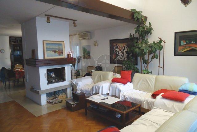 House, 585 m2, For Sale, Rijeka - Donja Drenova