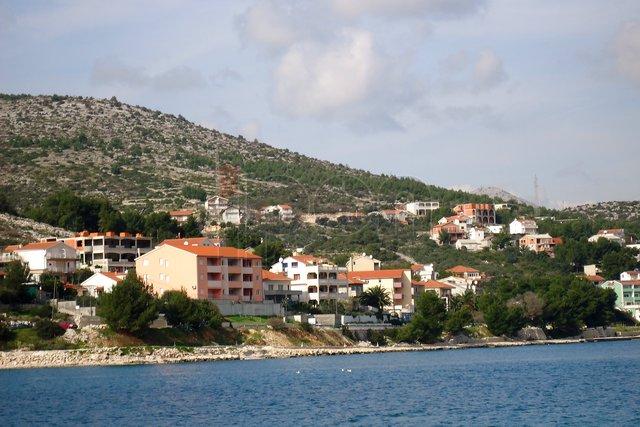 Marina,građevinski teren površine 4.600 m2 sa pogledom na more