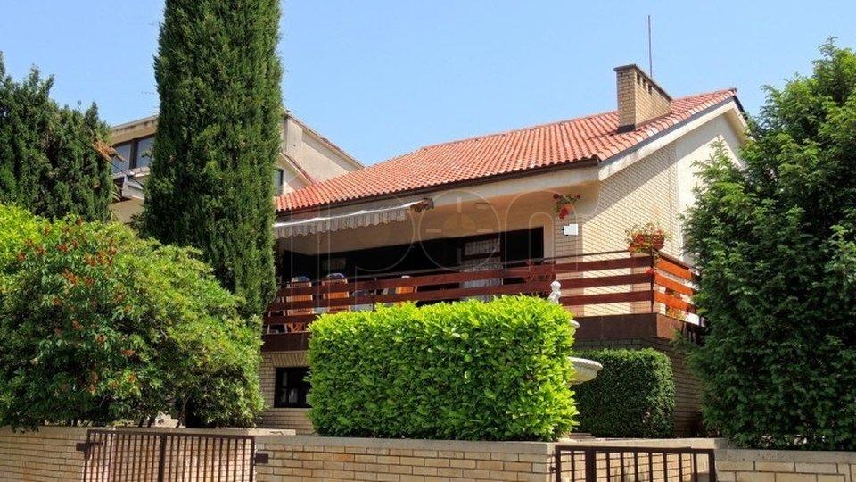 House, 270 m2, For Sale, Malinska